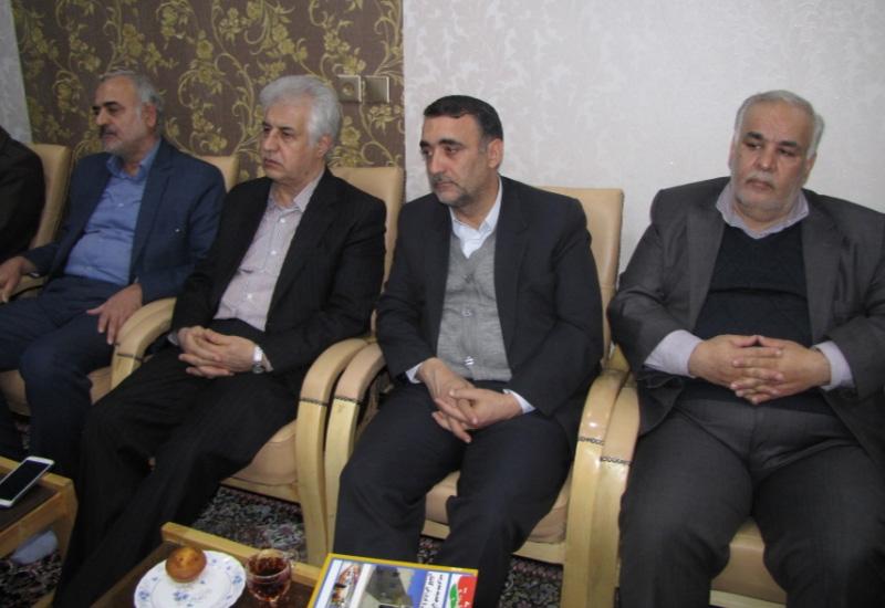 دیدار اعضای شورای آموزشی آموزش و پرورش شهرستان کاشان با نماینده ولی فقیه و امام جمعه کاشان