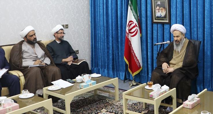 جلسه شورای زکات شهرستان کاشان با حضور نماینده مقام معظم رهبری و امام جمعه کاشان