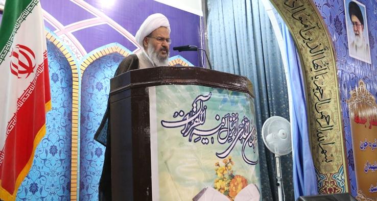ملت ايران با تمام قدرت در برابر آمريكا ايستاده است
