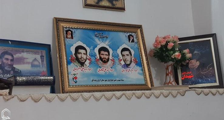 دیدار نماینده ولی فقیه در کاشان با خانواده شهیدان اربابی