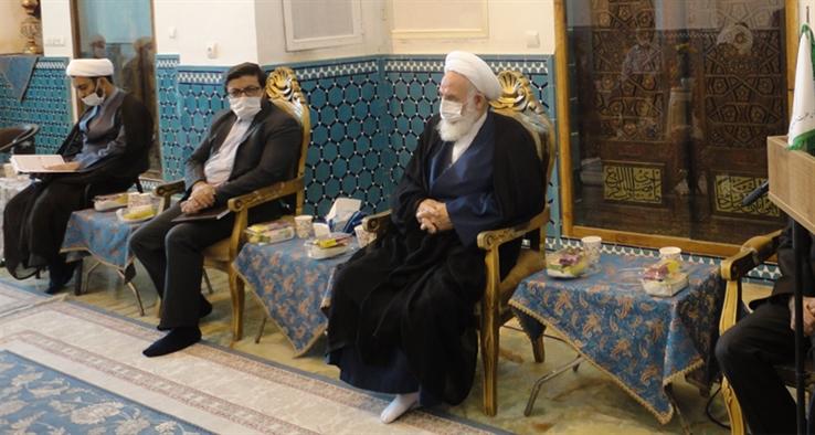 غباروبی زیارتگاه امامزاده سلطان امیراحمد کاشان