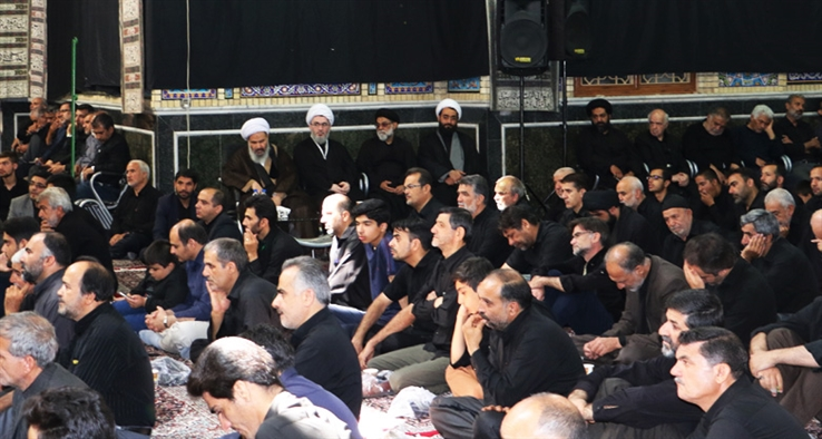 مراسم عزاداری عاشورای حسینی از طرف نماینده ولی فقیه و امام جمعه کاشان در مسجد صادقیه