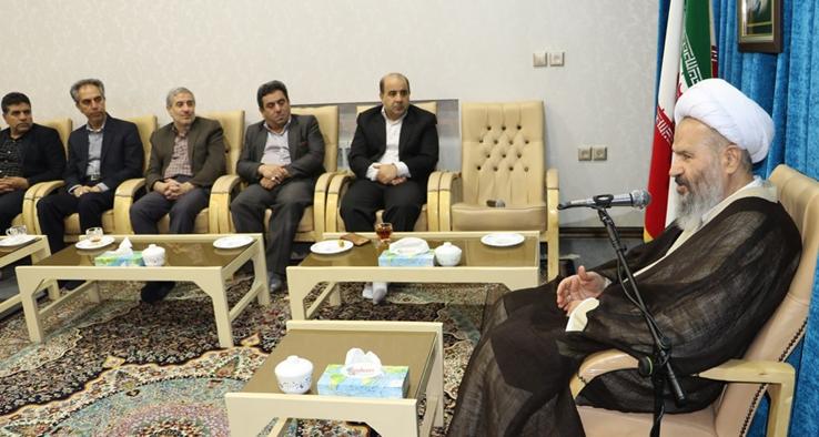 دیدار مدیر عامل و كاركنان شركت آبفای كاشان با نماینده مقام معظم رهبری و امام جمعه کاشان