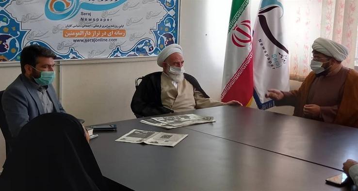 بازدید آیت الله سلیمانی، نماینده مقام معظم رهبری در منطقه و امام جمعه کاشان از روزنامه سراج کاشان