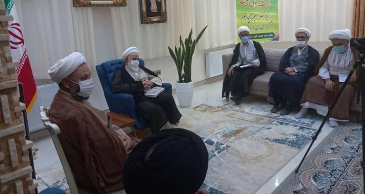 جلسه ائمه جمعه مناطق شمال استان اصفهان در نیاسر