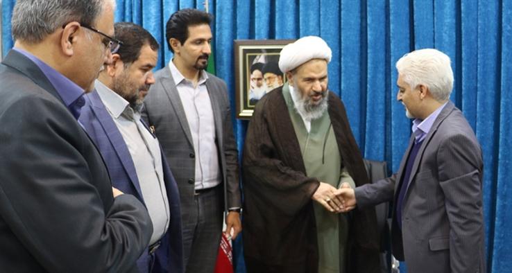 جلسه هماهنگی پروازهای فرودگاه کاشان با حضور نماینده مقام معظم رهبری و امام جمعه کاشان